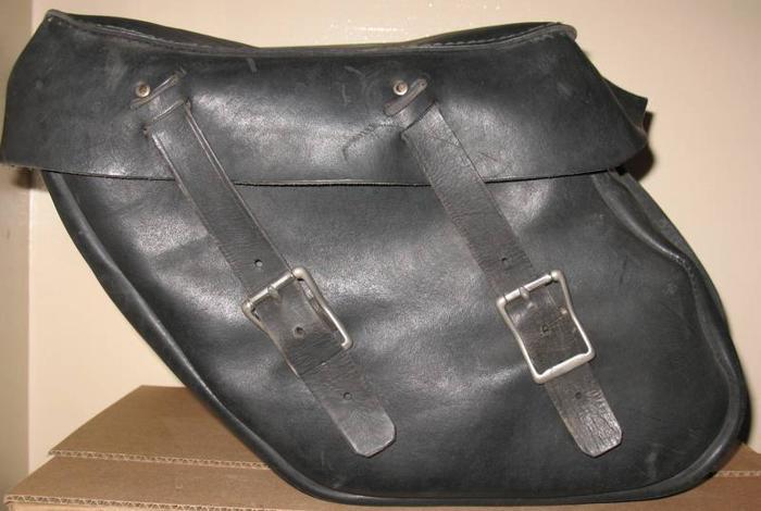 Motorcycle leather saddlebags