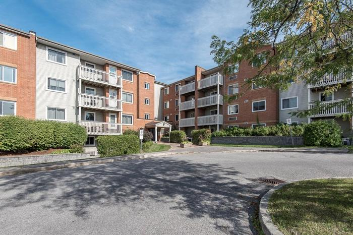 Move-In Ready Condo FOR SALE in Orleans