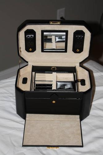 New Genuine Leather Jewellery Box