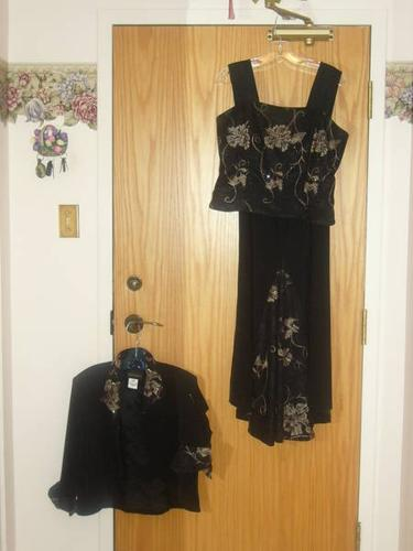 NEW YEAR'S EVE amazing 3 piece outfit-worn once!!