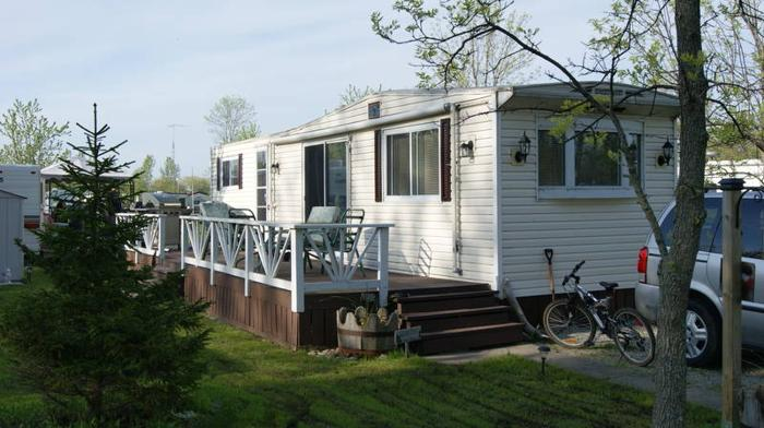 Park Model Trailer Located At Sandy Shores In Dunnville