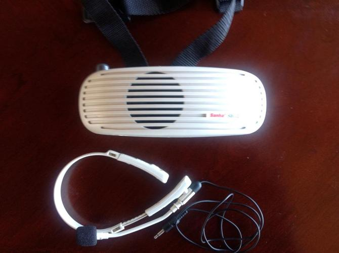 Portable wireless Speaker & Mic - never used