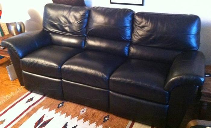 Power Recliner Lazy Boy Leather Couch For Sale In Etobicoke Ontario