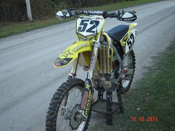 Price reduced low as i can go!2009 fuel injected Suzuki RM-Z 450