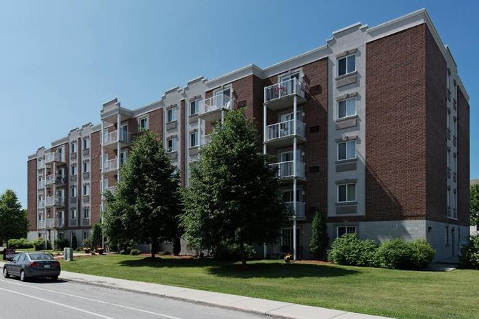 Quiet Apartment for Rent in Le Plateau: 400 Blvd des Grives