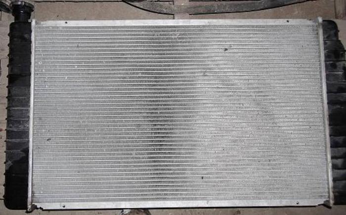 Radiator for GMC / Chevy Truck - V8 Engine