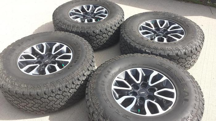 REAL Ford F150 SVT Raptor wheels rims General Grabber AT2 tires