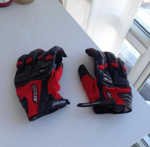 Red & Black Motorcycle Gloves - Joe Rocket