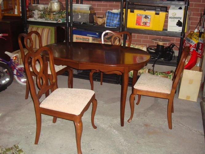 Reduced for Quick Sale! Beautiful Gibbard Chantilly Dining Set - $600