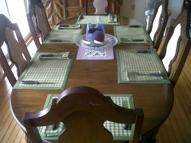 REDUCED! Solid Oak Dining set w/6 chairs and Hutch & Buffet