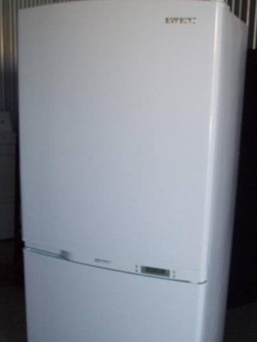 Refrigerator, Pull Out Boottom Freezer, Energy Star Rated