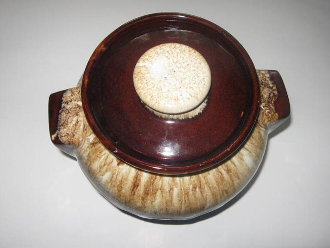 Roseville O. Bean Pot R.R.P co.