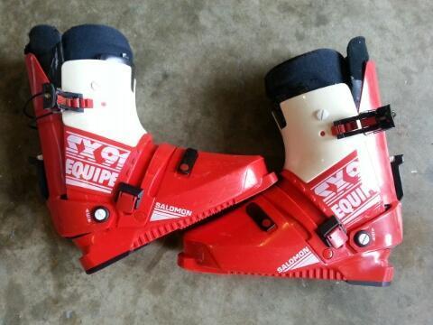 Salomon men's and Lange women's ski boots