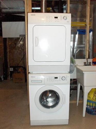 Samsung Front Load Washer and Dryer incl stacking kit 500 for