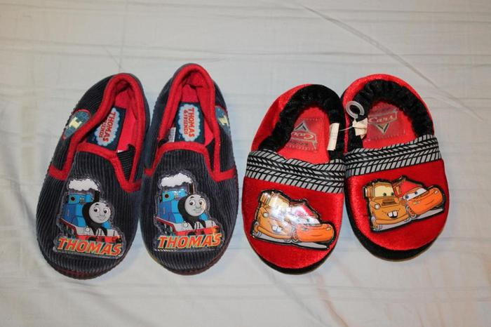 Size 5-6 Boy's slippers