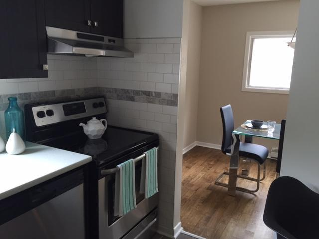 SPACIOUS TWO BDRM TOWNHOUSE IN NEPEAN PERFECT FOR PROFESSIONALS