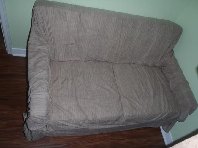 Square armed love seat for sale. 150 or best offer.