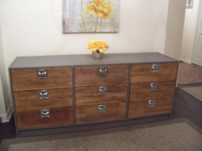 Stylish Solid Wood Contemporary Style Chest I DELIVER