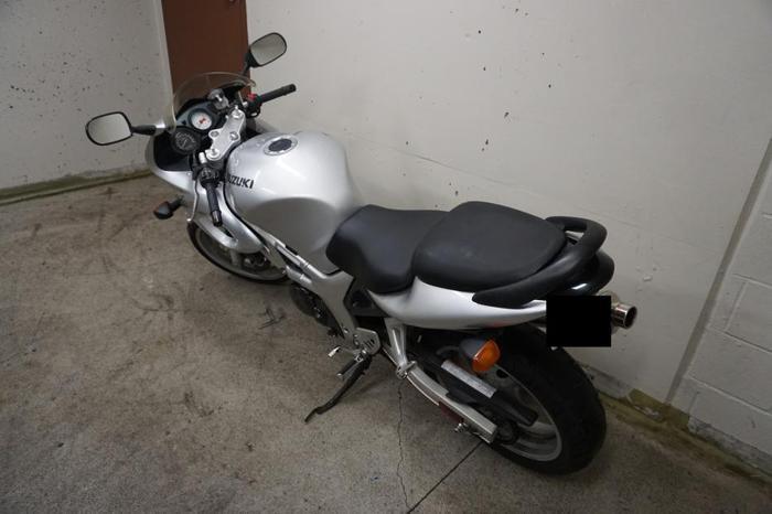 Suzuki SV650S - Stock bike, low mileage