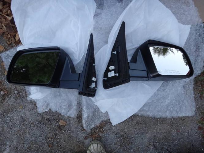 Toyota Tundra Side Mirrors