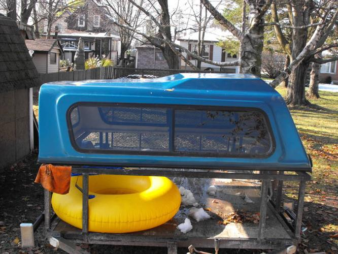 Truck Cap off a GMC extended cab short box, should fit 88-98