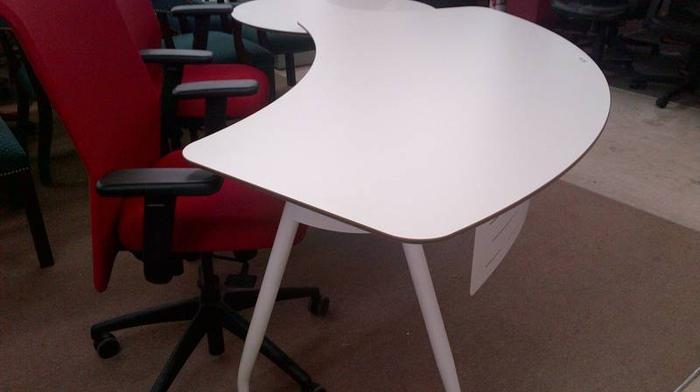 Unique Executive Modern Desk Set For Sale In Mississauga