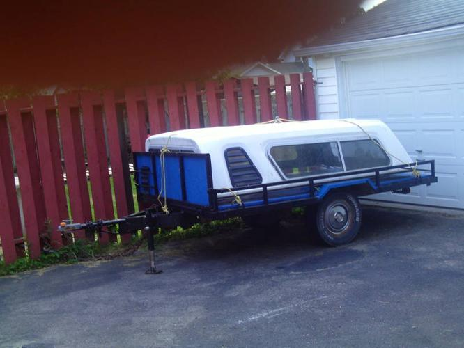 Utility trailer heavy duty 9' x 6.5' with 2 removeable ramps