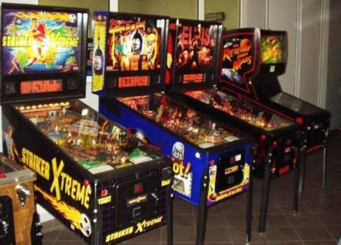 Wanted: WANTED PINBALL MACHINES - JUKE BOXES ANY COIN OPERATED MACHINE
