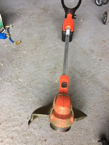 weed wacker grass trimmer good condition cordless