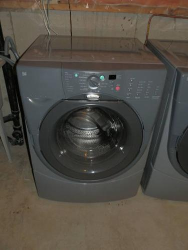 Whirlpool DUET HT Front Load Washer