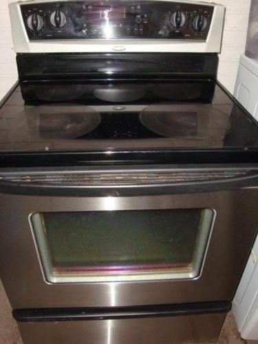 Whirlpool gold flat top stainless steel stove,self clean oven