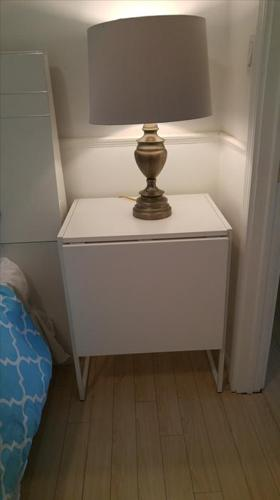 White side table/nighttable