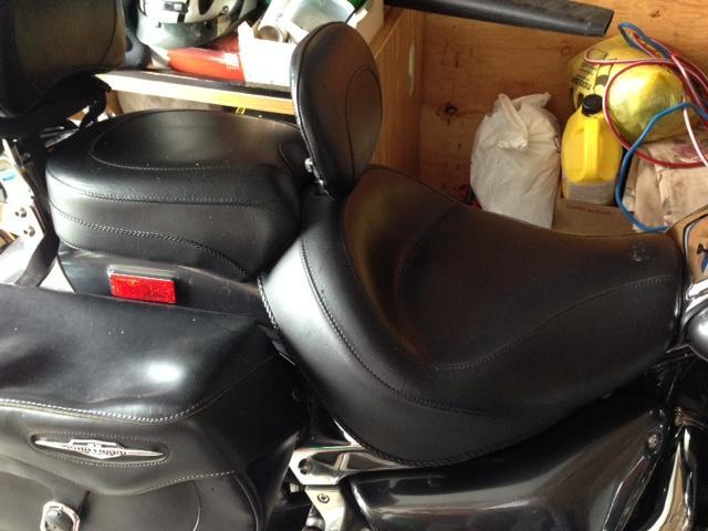 WIDE VINTAGE 2-PC TOURING SEAT WITH DRIVER BACKREST
