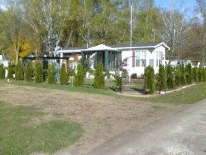Your summer retreat for sale in burford ontario ads in ontraio - Large summer houses energizing retreat ...