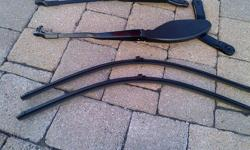 YOU ARE PURCHASING A 2005 MERCEDES BENZ R230 SL55 AMG WINDSHIELD WIPER ARMS, PLUS BLADE SET IN PERFECT WORKING ORDER & CONDITION. WILL FIT ALL MERCEDES BENZ 2003-2009: SL CLASS: SL500 SL550 SL600 SL55 SL65 THANK YOU