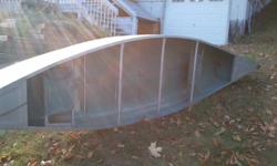 14ft Aluminum canoe in excellent condition 705-380-0095