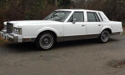 Make Lincoln Model Continental Year 1988 Colour White kms 148000 Immaculate original paint car, garage kept 148 000 original kms, original paint, white leather interior in excellent shape. All options (signature series) including electric sunroof,