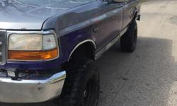"""Make Ford Model F-150 Year 1995 Trans Automatic kms 219000 I have up forsale my 1995 Ford F-150 4x4. Truck runs and shifts good. Truck has a 6"""" rough country suspension lift and a 3"""" leveling kit. Sitting on 35"""" mickeythompsons Baja MTZ.Truck Has"""