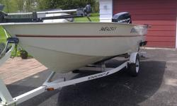 """1998 Starcraft Starfire 16'6"""" aluminum boat for sale with 1999 50 horse 4 stroke Mercury outboard motor. Boat has removable swivel seats, livewell, storage, fishfinder, electric bowmount trolling motor and 3 batteries. Very low hours. Deep wide hull great"""