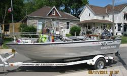 19ft Center console Crestliner Accesories Uniden VHF radio Am/Fm C.D player Lowrance fish finder x97 Lowrance GPS with Chip Dual marine Energizer batteries 6 adjustable lock tight rod holders 4 Swivel base Big Jon Electric Downriggers with dual rod