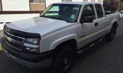 Make Chevrolet Colour White Trans Automatic kms 375000 Come to VI Auto's Summer Blow-Out Sale at 480 Esquimalt Road on now until August 31st! 2003 Chevrolet Silverado | $4,990 + Doc + Tax (firm) -Power windows -Power locks -Towing capability -4x4