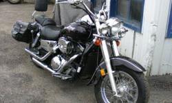 I'm selling my 2003 Kawasaki Vulcan 1500cc The paint is perfect, Jardine Pipes , Rear Cobra Fottpegs, HK Backrest. pipe, highway pegs, Triple lights. Over $2000 in upgrades. Upgraded Breather. New Brakes / Tires   It starts first crank, the trasnsmission
