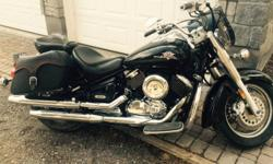 For sale-2003 yamaha V star 1100 Classic . 43 000 km Very good shape New tires rear brakes battery stator and piuck ups, Recent servicing with new plugs filters. oil . Comes with safety