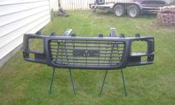 2005 gmc savana van grille great sahpe 100$