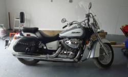 2006 Honda Shadow Aero VT 750 Immaculate condition. Many upgrades: Windshield , Saddle bags, Roll bars, Up seat.