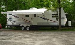 2006 JAYFLIGHT 29FBS This trailer is fully loaded, with only a little over 1000kms on it. It has cable tv hook up, water hook up. Power inverter. Duct heat runs & A/C. Wall thermostat. Hot water tank , electric or propane. Propane forced air furnace.