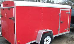 """HIGH QUALITY TRAILER NOT LIKE MOST OF THE UTILITY TRAILERS ON KIJIJI 2006 STREAMLINE TRAILER 6X12 ENCLOSED CARGO TRAILER RAMP DOOR LOWERED HEIGHT LOWERED TORFLEX AXLE GREASEABLE HUBS ALUMINUM ONE PIECE ROOF CHECKERPLATE FRONT STONEGUARD L.E.D LIGHTS 2"""""""