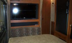 26 FT, NO SLIDE, SINGLE AND DOUBLE BUNKS, FRONT BEDROOM,TV/DVD, SOFA BED, UVW:4941 POUNDS, GVW:7600 POUNDS. AS LOW AS $145/MO. FINANCING AVAILABLE @ 6.39%.