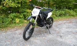hi i have a 2011 gio 250cc x31 dirtbike only has about 5 hours on it!! mint condition!! JUST IN TIME FOR CHRISTMAS ! bought this bike from dealer in spring of 2011 for my girlfriend to learn on. she now knows how to ride and has stepped up to my enduro