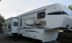 NEW!!! ATTENTION ! ALL MONTANA LOVER CHECK THIS UNIT OUT!Description Type: Fifth Wheel Stock #: 32944 Status: In Stock Contact: CAPTAIN KIRK Phone: 604-751-0340 E-mail: kirk@fraserway.com